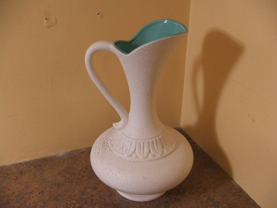 Vintage 1950s Or 1960s Haeger Textured White Glaze With Aqua