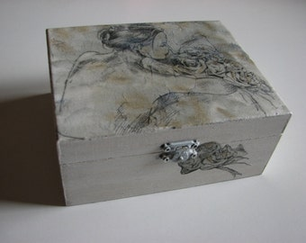 Off-White wooden decoupage box - Home decoration - Art box - Handmade.