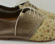 Size UK5 US7.5 EU38:Ladies Handmade Oxford Style shoe.  Textured Bronze leather with printed polka cream suede.