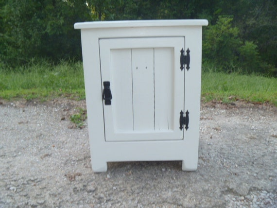 White Nightstand Side Table: Items Similar To Reclaimed Pallet Wood White End Table
