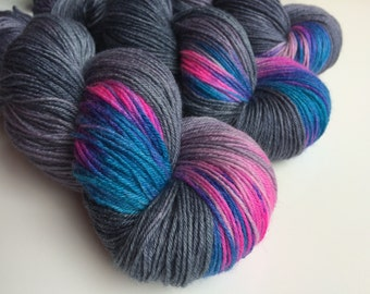 Hand dyed Nimbus  sock yarn 4ply finger weight superwash BFL and bamboo 100g. BFL is a British breed.
