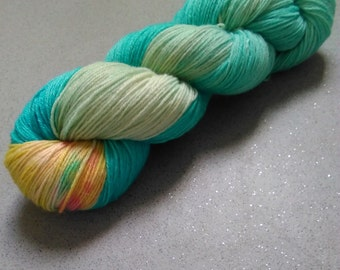 Hand dyed sock yarn Day at the beach 4ply finger weight superwash BFL and bamboo 100g. BFL is a British breed.