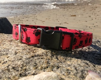 Red and Black Paw Print Dog Collar