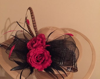 """Kentucky Derby Hat -Breeders' Cup Tan """"They're at the Wire"""""""