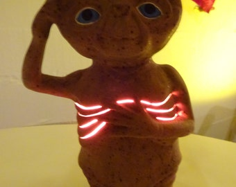 Unique Vintage E.T. Extra Terrestrial Ceramic Lamp Night Light - FREE SHIPPING