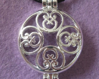 Aromatherapy Pendant Double Heart Circle Locket