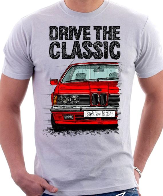 Klassisches Retro-BMW E24 frühen Modell T - Shirt Weiss. Original hand gezeichnete Design.