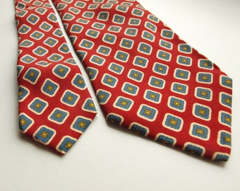 80s Hugo Boss necktie red geometric diamond shapes 100% Silk Made in Italy red geometric blue diamonds lozenge