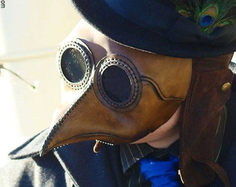 "Plague Doctor Mask in Brown Leather - small size ""Hawker"" (glasses friendly)"