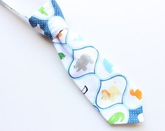 Boys necktie, neck tie, toddler neck tie, baby necktie, zoo animals very cute!