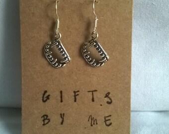fang earrings, vampire earrings, halloween earrings, gothic earrings, halloween jewellery, halloween jewelry