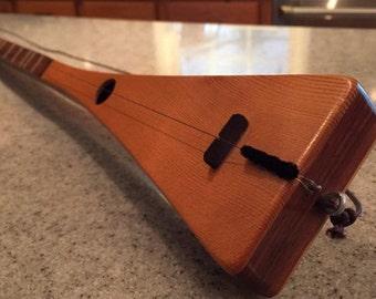 P7386: Bob McNally RARE Signed Vintage Original Single String Strumstick Numbered 67 out of 100 Musical Instrument Guitar