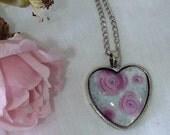 Floris & Florian -5- hidden in the roses-original heart print pendant.