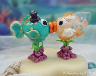 Custom Wedding Cake Topper - Love kissing fish cake topper. Unique wedding cake topper. Includes Base and Decoration