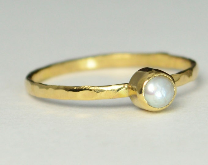 Classic Solid 14k Gold Pearl Ring, 4mm gold solitaire, solitaire, real gold, June Birthstone, Mothers Ring, Solid gold band, gold