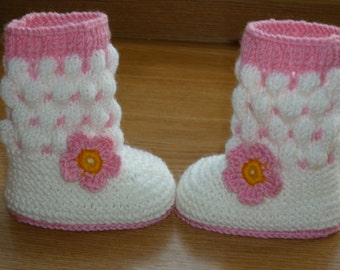 Knit Baby boots, knit girls boots, knit Baby booties, Pink, Strawberry , baby girls shoes , knitted baby shoes, handmade