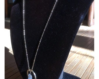 Crystal and hammered loop necklace