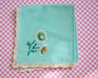 Pretty vintage napkins daisy embroidery