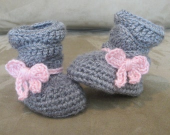 Crochet baby girl slouch boots