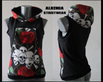 Sleeveless fleece black with skulls and roses/Hodiee punk rockabilly skull and roses bones dark waistcoat black rock emo