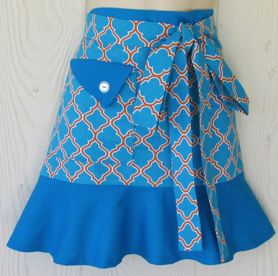 Turquoise Bib Apron (No Pockets) is available for same-day shipping. Large in-stock programs.