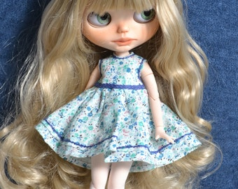 Handmade cotton and lace dress for Blythe and Pullip outfit