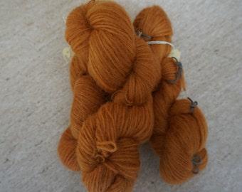 Icelandic pure wool, hand dyed with Rheum rhabarbarum 240915-513