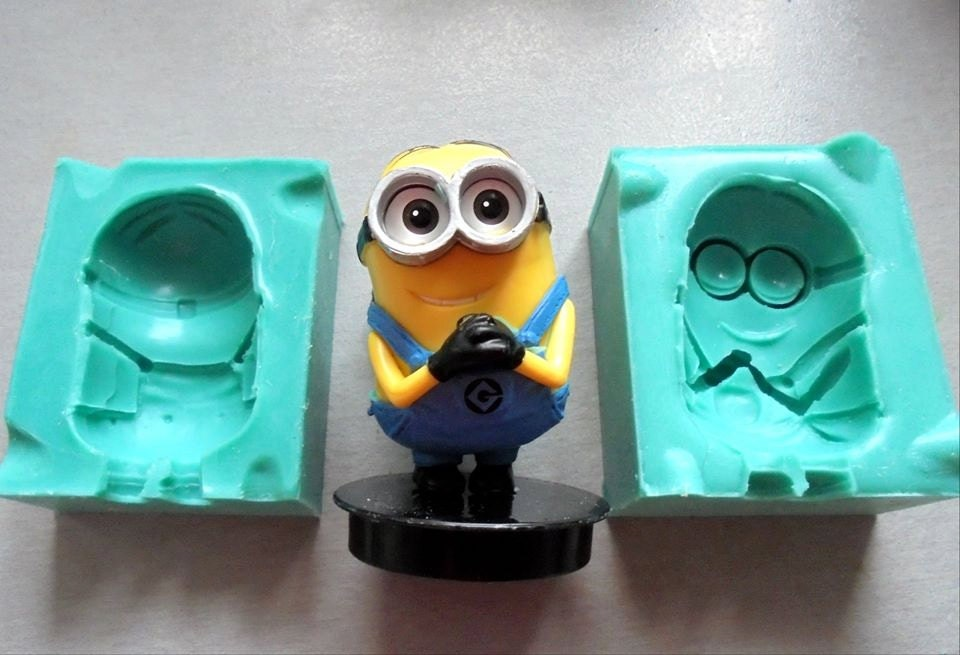 Minion Cake Decorations Uk : Silicone Mould 3D Minion Cake Decorating Fondant / fimo mold