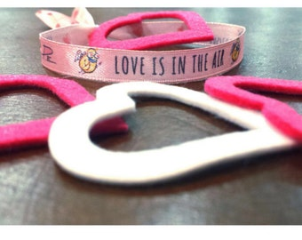 """""""Fabric bracelet"""" Loved is in the air """"by P.escribano Limited Edition 01/500 mifunda-mental brand"""