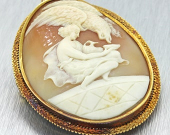 1860s Antique Victorian 14K Yellow Gold Engraved Cameo Pin Brooch Pendant