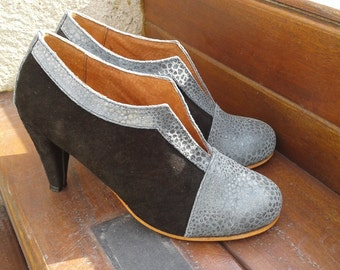High heel leather handmade shoes / women shoes in black leather / Model Josephine