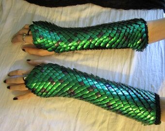 Long Elven Mage Dragon Scale Gloves//Knitted Scale Maille// Dragon Scale Armor Custom Colors