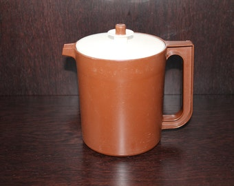 Tupperware Brown Juice Pitcher with Lid