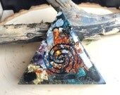 20% OFF SALE Orgonite Triangle with Quartz Center - Orgone Generator