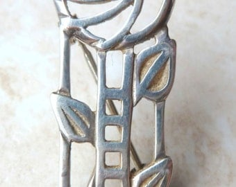 Vintage Sterling Silver Mackintosh Glasgow Rose Brooch By Carrick Jewellery. Fully hallmarked.
