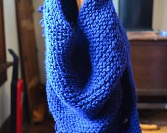 Navy blue triangle scarf w/ fringe