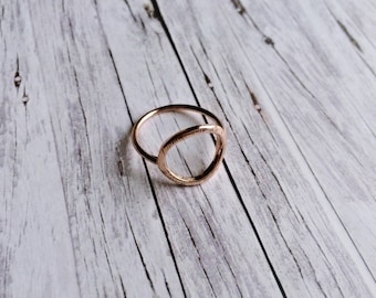 Ring - eternal circle: Rosé gold ring with structure