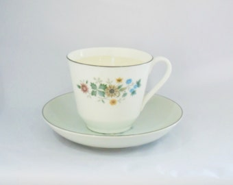 Patchouli Cup Candle, Tea Cup Candle, Vintage Candle, Patchouli Scent, Strong Scented Candle, Patchouli Candle, Earthy Candle, Herbal Candle