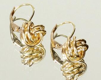 Vintage Classic Preppy 14k Gold 8MM Knot Ball Design Lever Back Earrings
