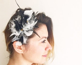 Headband with feathers and crystals embroidery