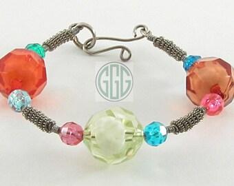 Bracelet -  Cutesy Crystal & Crafty Coils (B035)