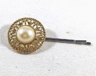 Pearl bobby pin,  pearl hair pin, gold flower hair pin, flower bobby pins, hair clip vintage earring, bridal wedding, hair jewelry, barrette