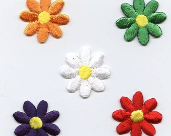 Small Daisy Iron on Embroidered Applique