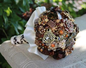 Brooch Bouquet/Handmade Bouquet/Cheetah Bouquet/Brown Bouquet/Zoo Wedding/Animal Bouquet/Pre-Made Bouquet/Bridal Bouquet/Wedding Bouquet