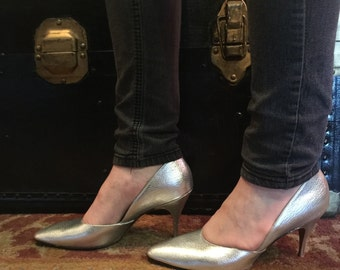 Vintage Gold Leather Danny Simmons Las Vegas French Bootier high heeled pumps size 7