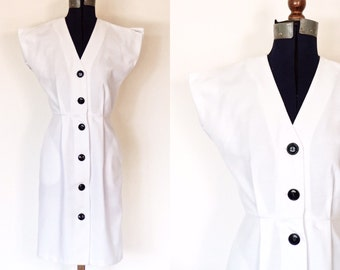 1950s White Button Front Wiggle Dress | Size Small | 50s Textured Midcentury Dress | Vintage Bombshell Retro Form Fitted Dress