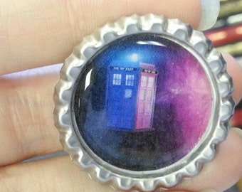 Blue and Purple Tardis Doctor Who bottlecap magnet