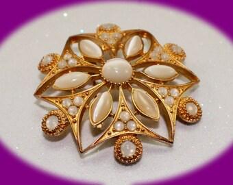 Vintage Milk Glass Gold Tone Brooch Vintage Jewelry Vintage Wedding Brooch