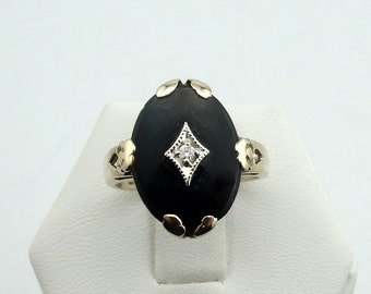 Vintage Classic 10K Yellow Gold Diamond and Onyx Ring #ONYX2-GR1