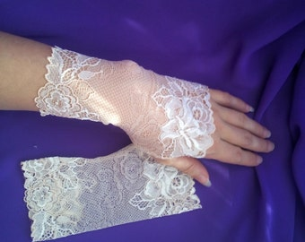 Peach Rose Lace Fingerless Gloves / Burlesque / Gothic / Steampunk / Caberet / Bohemian / Elegant / Romantic / Vintage / Victorian / Wedding
